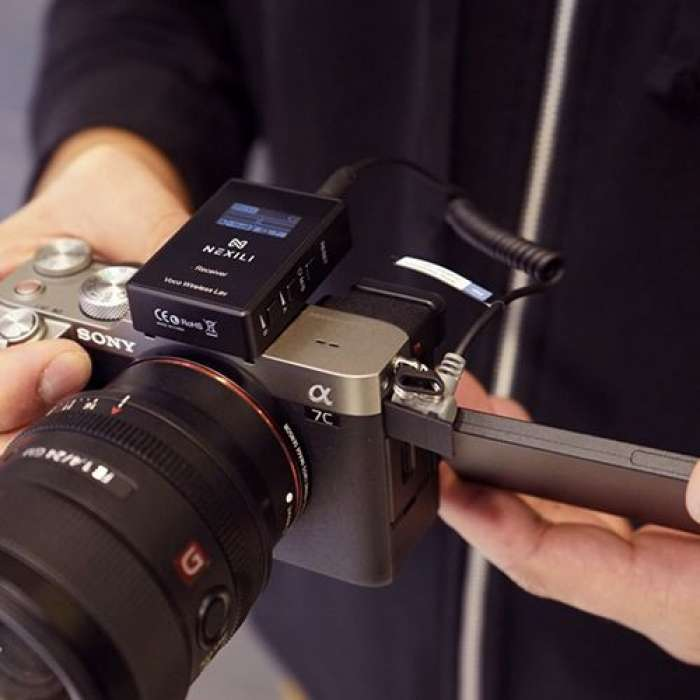 NEXILI VOCO WIRELESS LAV DUO WITH EXTERNAL LAVALIER FOR DSLRS & PHONES