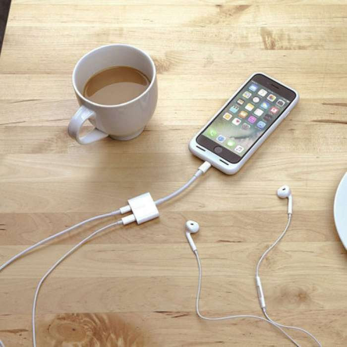 Belkin Lightning Audio + Charge RockStar Adapter Cable